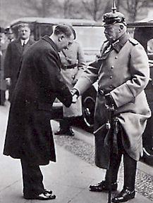 http://www.herodote.net/Images/HitlerHindenburg.jpg