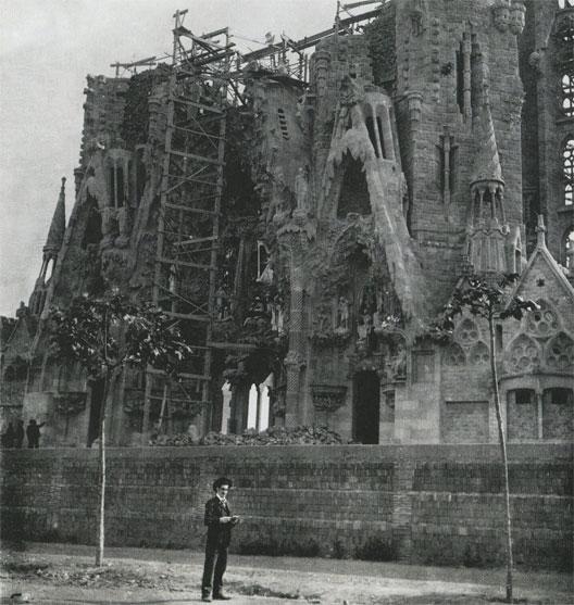 La Sagrada Familia en chantier à la fin du XIXe siècle