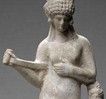 Aphrodite appuyée sur un terme et ajustant son strophion, vers 50 av J.C, Paris, musée du Louvre