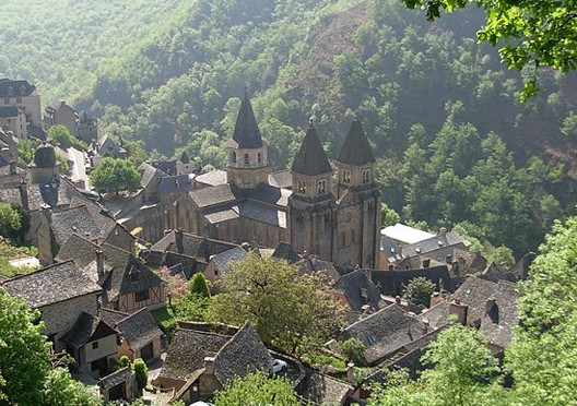 L'abbatiale de Conques (Aveyron, photo : J-f.desvignes)