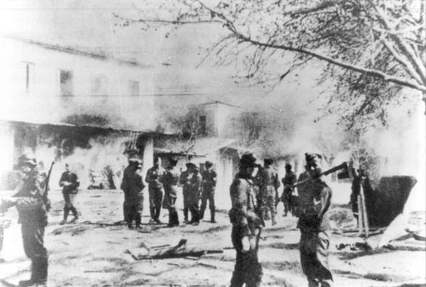 Le massacre de Distomo (Béotie), samedi 10 juin 1944 (Bundesarchiv)