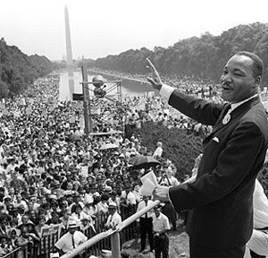 Martin Luther King devant le Memorial Lincoln, 28 aoput 1963 (Atlanta, 15 janvier 1929 - Memphis, 4 avril 1968)