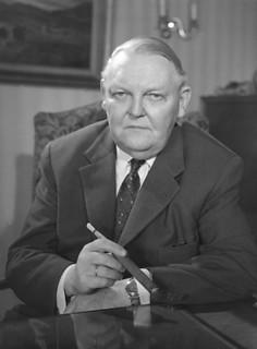 Ludwig Erhard (4 février 1897, Fürth - 5 mai 1977, Bonn)