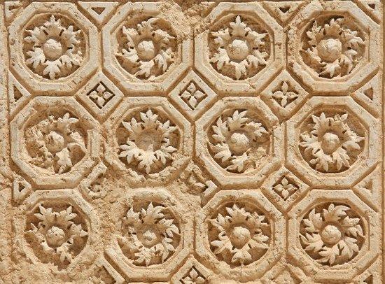 Plafond du temple de Bêl (1er siècle, Palmyre, Syrie), photo : Gérard Grégor, 2009