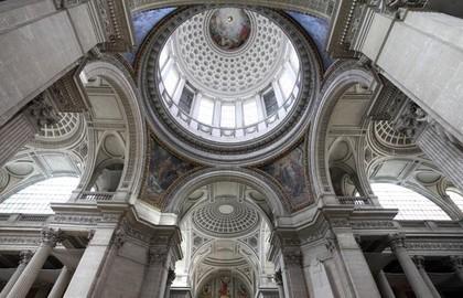 Le dôme intérieur du Panthéon de Paris