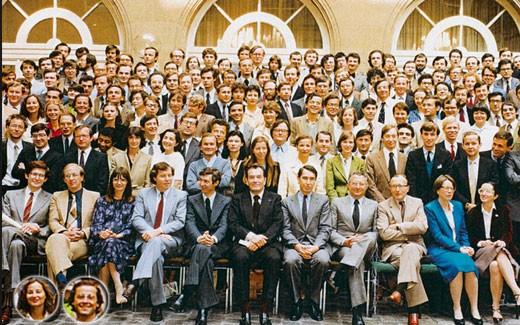 La promotion Voltaire (1980) de l'ENA : on peut reconnaître Ségolène Royal et François Hollande mais aussi Jean-Pierre Jouyet, Renaud Donnedieu de Vabres et Dominique de Villepin (photo : Le Nouvel Observateur)