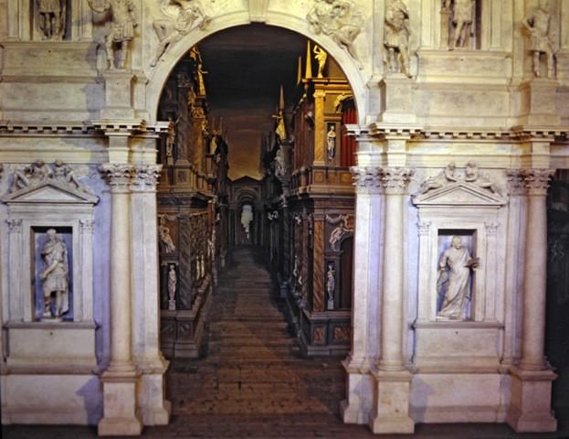 scène en trompe-l'oeil du théâtre de Vicence (XVIe s.- Italie), photo : Isabelle Grégor