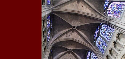 La cathédrale Notre-Dame de Reims a célébré en 2011 son 800e anniversaire.<br /><br />Ce chef d'œuvre de l'art gothique est un miraculé de la Grande Guerre...<br /><br />En savoir plus: <br />cliquez sur l'image