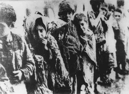 Orphelins arméniens (photo: Armin Wegner)