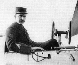 Louis Breguet aux commandes de l'un de ses premiers appareils