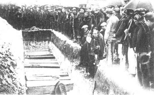 Catastrophe de Courrières ; obsèques des victimes (Pas-de-Calais), 10 mars 1906