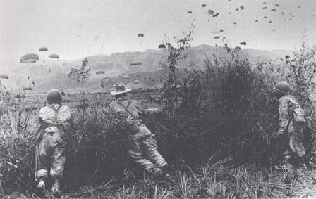 Ravitaillement aérien du camp retranché de Dien Bien Phu
