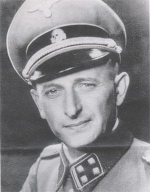 Adolf Eichmann (1906-1962) en uniforme de lieutenant-colonel