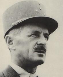 Leclerc en uniforme de général d'armée