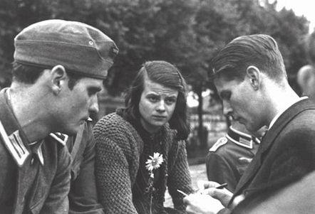 Hans et Sophie Scholl et leur ami Christoph Probst