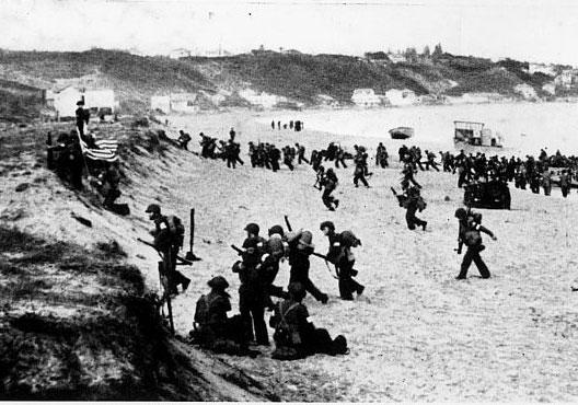 Débarquement américain sur la plage près d'Oran (opération Torch, 8 novembre 1942)