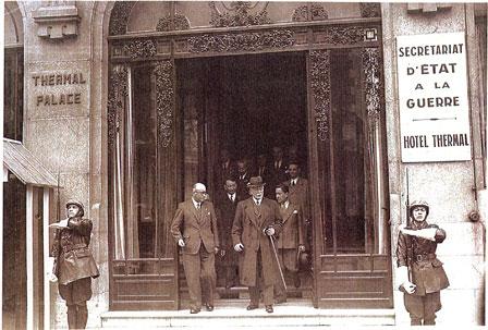 1940-1944 Les années noires de la Collaboration . Vichy_Petain