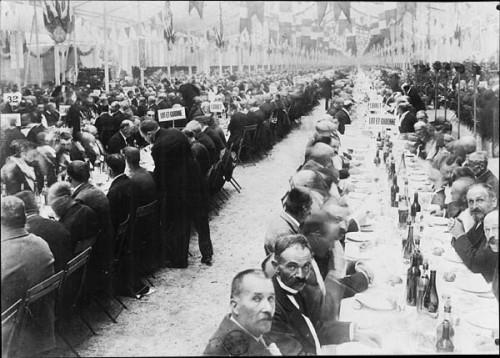 Le banquet des maires de France dans le jardin des Tuileries (Paris, 22 septembre 1900)