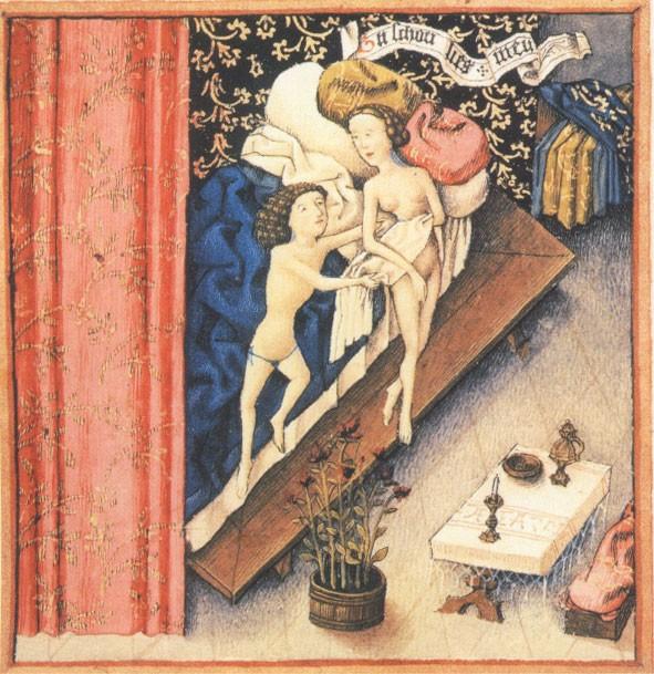 Les époux se glissent dans le lit nuptial (miniature du XIIe siècle)