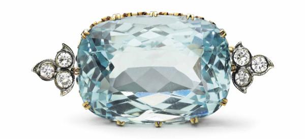 Broche en or, en argent, en aigue-marine et en diamants de Fabergé, avec la marque du maître d'oeuvre d'August Hollming, Saint-Pétersbourg, 1908-1913.