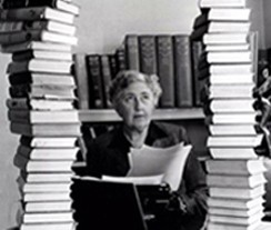 Portrait d'Agatha Christie chez elle, 1950.