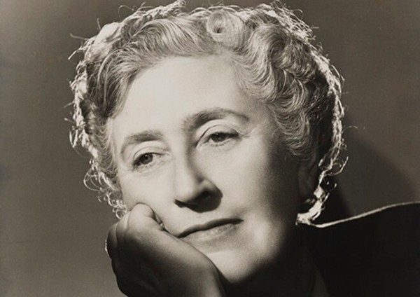 Angus McBean, Portrait d'Agatha Christie, 1949, Londres, National Portrait Gallery.
