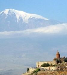 Monastère de Khor Virap devant le Mont Ararat (photo G. Grégor)