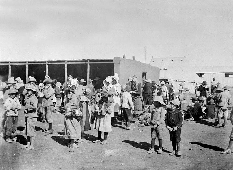 Paysans afrikaners dans un camp de concentration pendant la guerre des Boers (1899-1902)