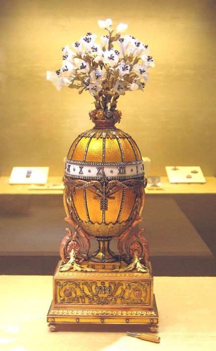 L'Œuf des muguets de la Madone, réalisé par Fabergé en 1899 pour Nicolas II, Palais des Armures, Moscou.