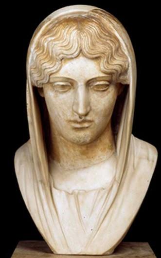 Tête de femme voilée du type de l'Aphrodite Sôsandra, Rome, IIe siècle ap. J.-C., Musée du Louvre, Paris.
