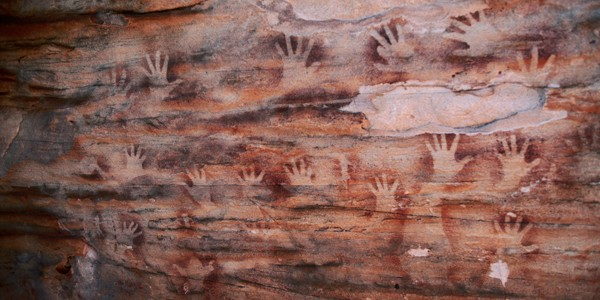 Grotte de Gargas, Grande Paroi, Mains noires et rouges, Paléolithique supérieur, Gravettien.