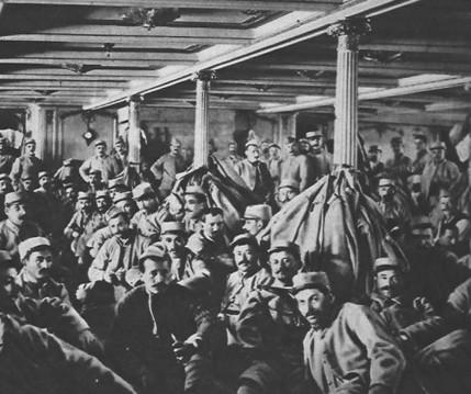Transport de troupes à bord du paquebot La Provence, 21 novembre 1915, Le Miroir n° 104.