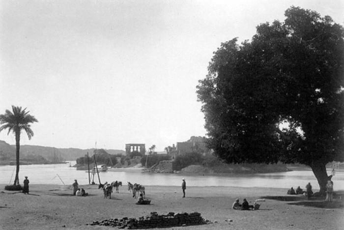 Vue du temple de Philae au XIXe siècle ; image idyllique d'un passé phantasmé.