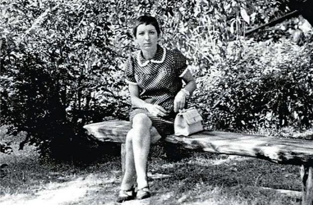 Gabrielle Russier. En agrandissement : L'amour interdit, « Ici-Paris  » du 8-14 juillet 1969. ICI PARIS
