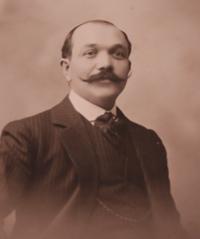 Léon Bel (1878-1957), directeur de la maison et inventeur de « La vache qui rit ». DR