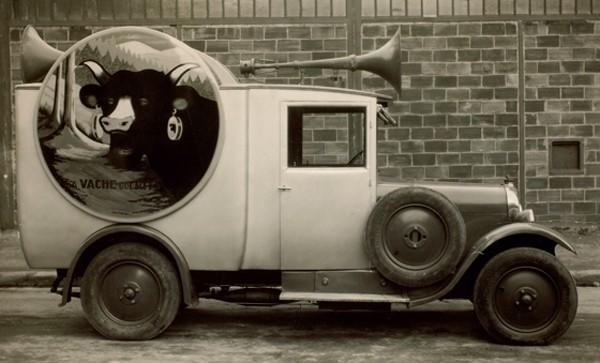 A partir des années 20, Bel redouble d'ingéniosité pour faire sa publicité. DR