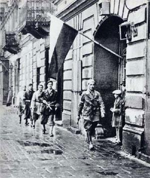 L'insurrection de Varsovie (août-octobre 1944) : patrouille de résistants