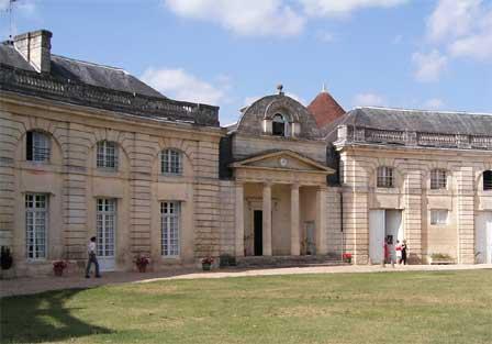 Château du Bouilh, Un gîte royal (Saint André de Cubzac )