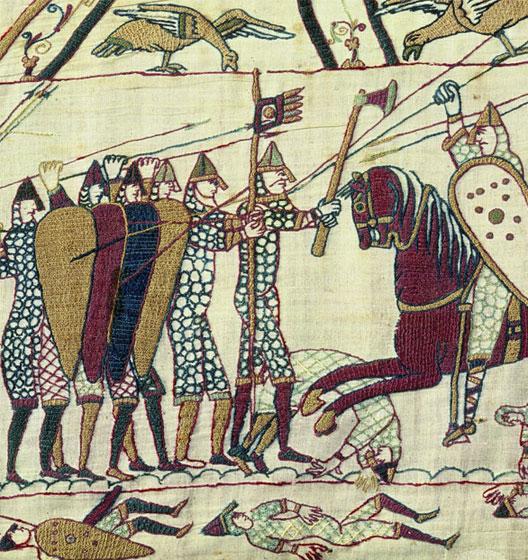 Bataille d'Hastings (1066) : l'infanterie saxonne fait front à la cavalerie normande sous une volée de flèches (tapisserie de Bayeux, droits réservés : Musée de Bayeux)