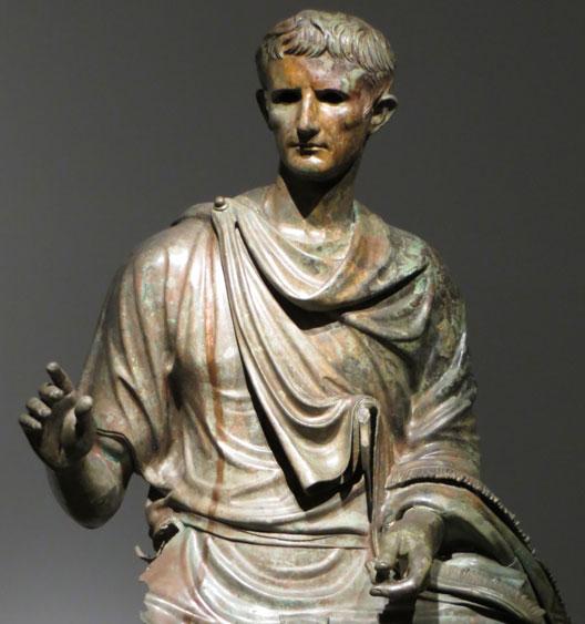 Statue équestre d'Octave en bronze, mer Égée (1er quart du 1er siècle ap. JC, musée national d'Athènes), photo : André Larané