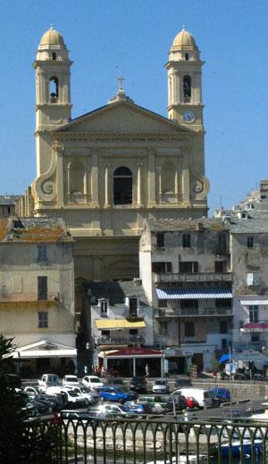 La cathédrale et le vieux port de Bastia (photo: Fabienne Vignolle)
