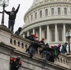 07 janvier 2021 : Comment une foule pro-Trump a pris d'assaut le Capitole américain