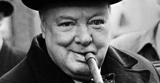 Winston Churchill e il suo sigaro (30 novembre , 1874, Palazzo di Blenheim - 24 gennaio 1965, Londra)
