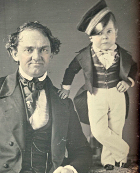 P. T. Barnum et Charles Sherwood Stratton (Tom Pouce), vers 1850, Washington, National Portrait Gallery