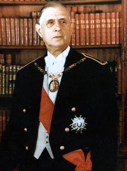 Charles de Gaulle, président de la République française (photo officielle, 1959)