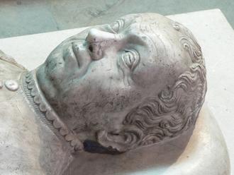Le gisant de Du Guesclin à Saint-Denis