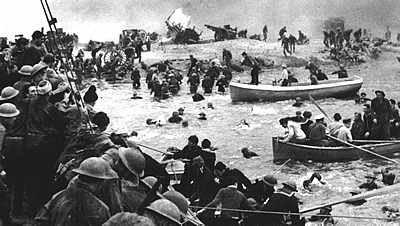Embarquement de soldats anglais sur les plages de Dunkerque