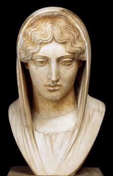 Tête de femme voilée du type de « l'Aphrodite Sôsandra », Rome, IIe siècle ap. J.-C., musée du Louvre, Paris.