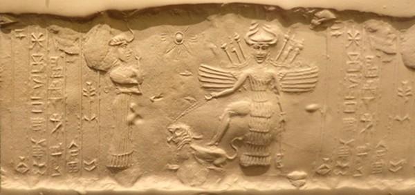 Photographie d'un sceau cylindrique Akkadian antique dépeignant la déesse Ishtar et son sukkal Ninshubur, IIIe siècle av. J.-C., Institut Oriental de l'Université de Chicago, États-Unis.