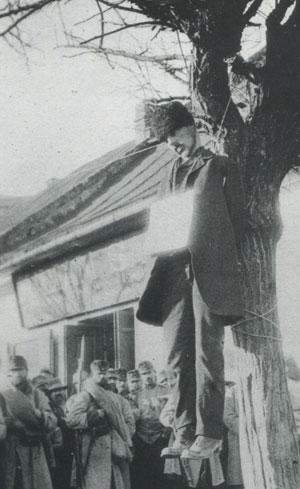 Un paysan de Galicie exécuté en 1916 par l'armée austro-hongroise sur la suspicion d'espionnage (DR)